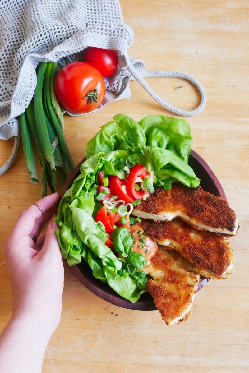 Vegan als Student: Schnelle Sellerie Schnitzel mit Salat
